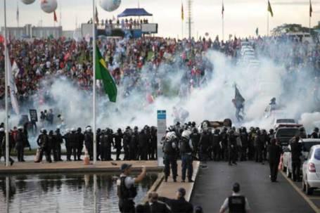 protesto-bsb-foto-fabio-pozzebom-ag-brasil